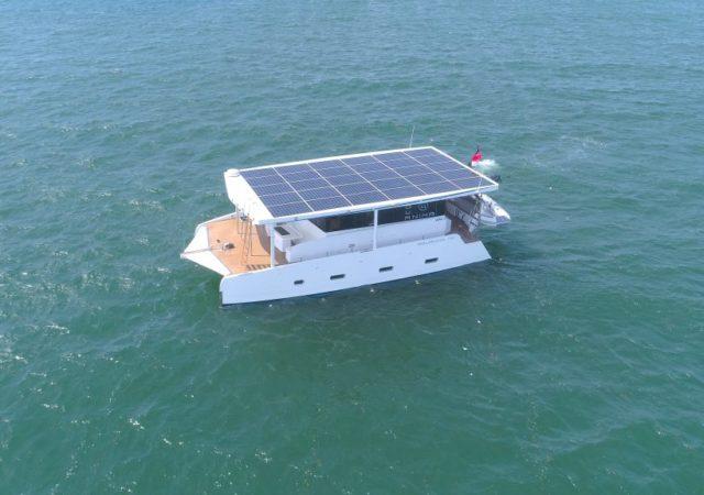 Yate Solar Aquanima Serie 40